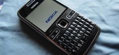 Nokia E72 – Smontaggio e sostituzione Display e altro