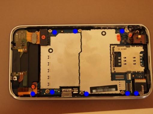 iPhone 3GS smontaggio scheda madre