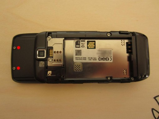 Nokia E66 Disassembling 1