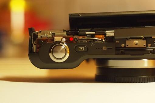 Smontare una Sony NEX-3 Back Cover