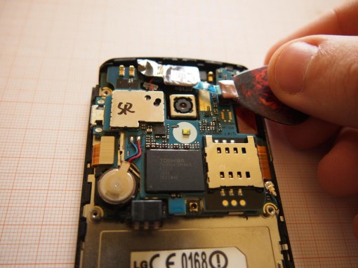 LG Optimus 7 - Rimuovere Scheda Madre - 2