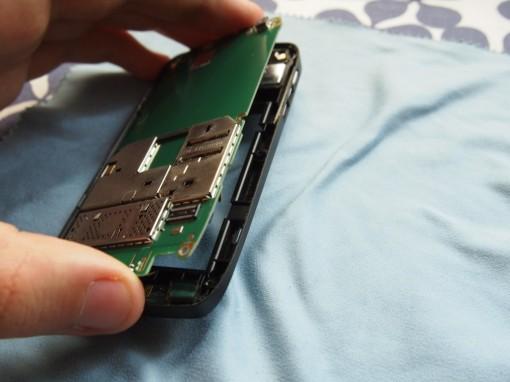 Nokia E72 Rimozione Scheda Madre - 2