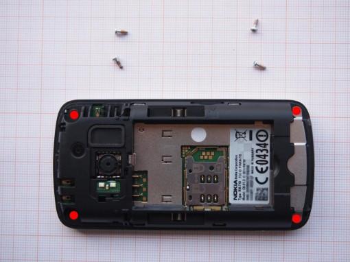 Nokia C6-01 - Smontaggio - Viti Torx