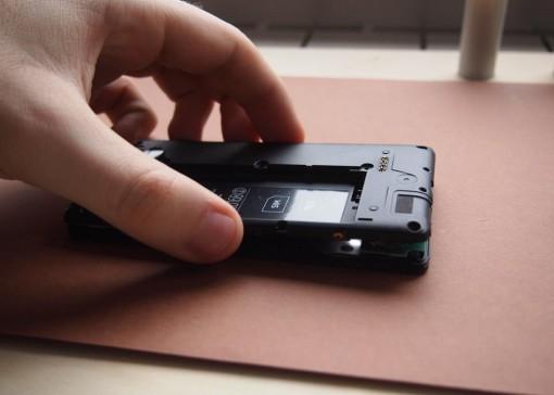 Nokia 820 - 6 - Rimozione Chassis Cover