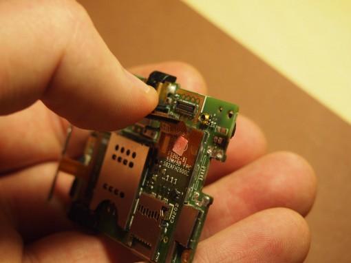 Sony Xperia J - 9 - MicroSD, SIM, tasti laterali